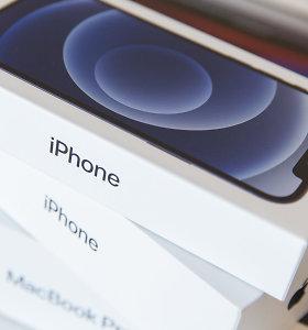 """""""iPhone 12"""" bus pardavinėjami su krovikliu pakuotėje. Bet tik Brazilijoje ir Prancūzijoje"""