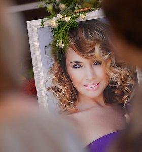 Nuo vėžio mirusi Žana Friskė palaidota Maskvos kapinėse