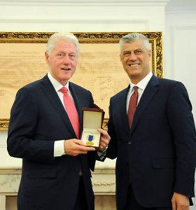 Kosovas apdovanojo buvusį JAV prezidentą B.Clintoną Laisvės ordinu