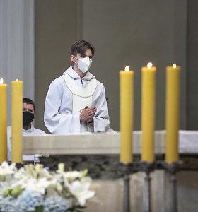 Dvasininkai: žmonės buvo išsiilgę sekmadienio mišių, susirinko neįprastai daug jaunimo