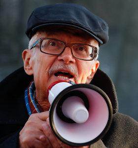 """""""Už Kremliaus sienų"""": apie E.Limonovą – poetą, psichopatą, fašistą, stalinistą"""