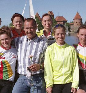 Retro fotografija: Lietuvos dviračių sporto elitas prieš pasaulio užkariavimą