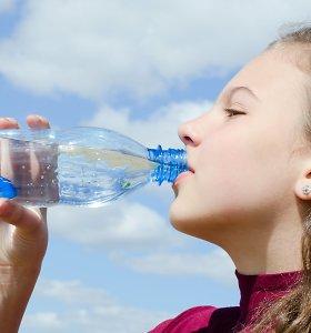 Ar galima gazuotais gėrimais gydyti virškinimo sutrikimus? Gastroenterologo V.Urbono komentaras