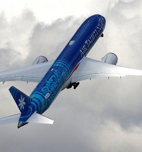 """""""Boeing"""" problemos nesibaigia – keli """"787 Dreamliner"""" galėjo pradėti byrėti ore"""
