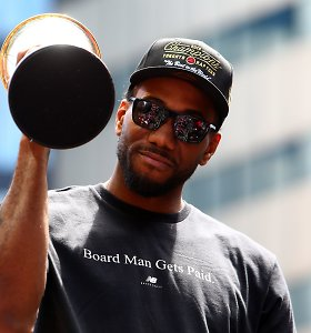 """Kawhi Leonardo ieškinys prieš """"Nike"""" kompaniją dėl """"letenos"""" logotipo – atmestas"""