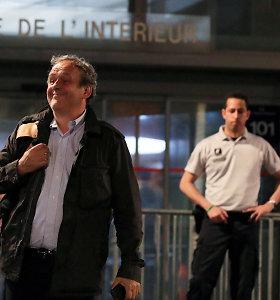 M.Platini paleistas iš areštinės, bet policija tardo dėl susitikimo pas N.Sarkozy