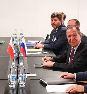 Helsinkyje vyksta pirmosios nuo 2014 metų Rusijos ir Lenkijos diplomatijos vadovų derybos