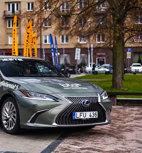 """Išrinkite """"Tautos automobilį"""": prabangus sedanas """"Lexus ES"""""""