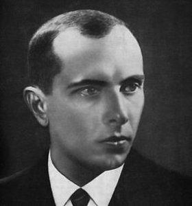 Kijeve surengta deglų eisena nacionalistui S.Banderai pagerbti