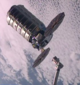 """Krovinių kapsulės """"Cygnus"""" paleidimas į TKS atšauktas likus kelioms minutėms iki starto"""