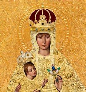 Eksponuojamos Trakų Dievo Motinos paveikslo puošmenos