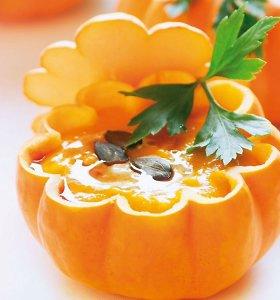 Moliūgų sezonas prasideda: 10 sriubų, kurios mus pastiprins ir sušildys rudenį