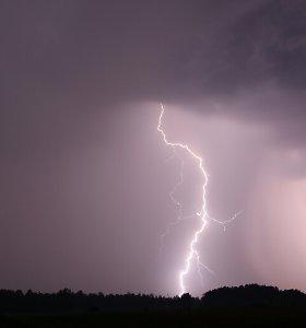 Orai.lt: karštį išlydės lietus, perkūnija, škvalas, gal net kruša