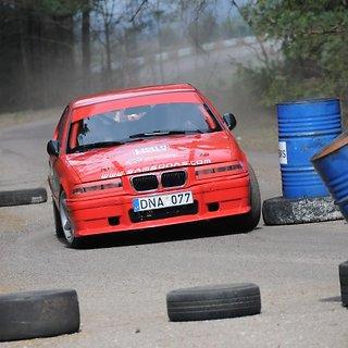 Automobilių slalomas