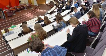 Paskelbti nacionalinės moksleivių teisės žinių olimpiados nugalėtojai