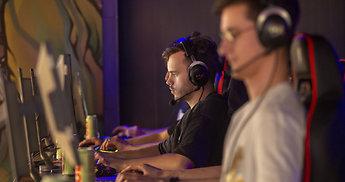 """Įmonių CS:GO turnyro """"Elite Build"""" laimėtojai – Arno vedama """"Hostinger"""" komanda"""