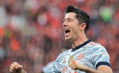 """""""Bayern"""" parodė galybę: į """"vaistininkų"""" vartus sukalė penkis įvarčius dar iki pertraukos"""