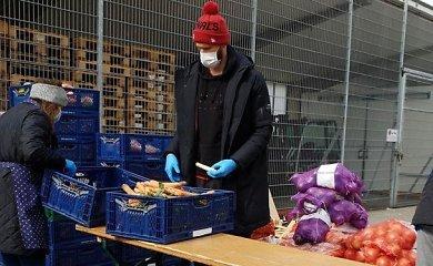 """Geri darbai: """"Bayern"""" krepšininkai padeda išvežioti maistą sergantiesiems"""