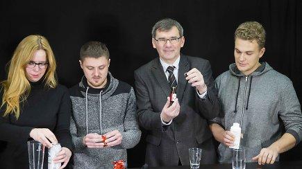 Testas: kiek promilių alkoholio galima įpūsti pavartojus gudobelės ekstrakto, kefyro, saldainių su likeriu