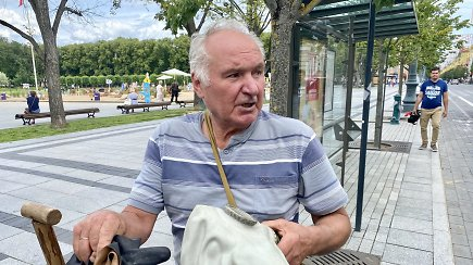 Fekalijomis apipylė Lukiškių aikštėje įrengtą paplūdimį – poelgio nesigaili ir pasakoja su šypsena