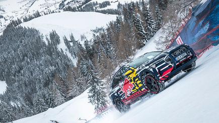 """Pamatykite, kaip """"Audi e-tron"""" įkopė į 85 proc. statumo šlaitą slidinėjimo trasoje"""