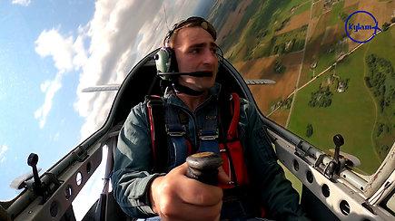 """""""Kylam"""": du akrobatinio skraidymo lakūnai kyla mesti iššūkį pasaulio geriausiems"""
