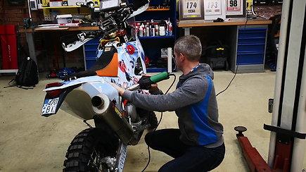 Balys Bardauskas paruošė savo motociklą Dakaro raliui 2019