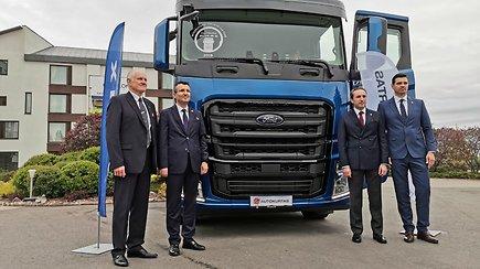 """Lietuvoje pristatytas naujas vilkikas """"Ford F-Max"""""""