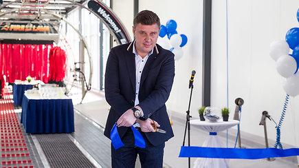 """Vilniuje atidaryta didžiausia """"Švaros brolių"""" tunelinė plovykla"""
