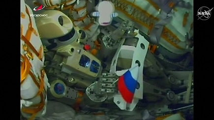 Rusija į TKS išsiuntė raketą, vietoje kosmonautų pasodino robotą Fedorą