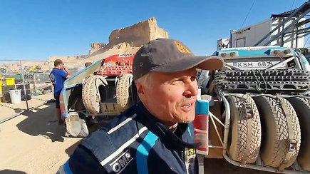 Gintas Petrus ir Tomas Jančys labai laimingi Dakaro finiše