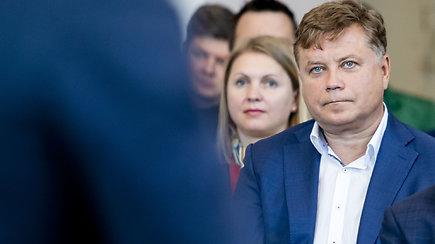 """Vilniuje sugrįžo kontaktinės pamokos. Vaikams džiaugsmas, direktoriui spaudimas: """"Kartais sunku tai atlaikyti"""""""