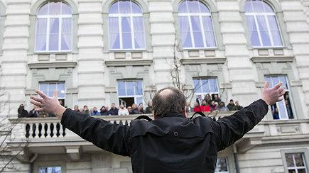 """LMTA studentai ir darbuotojai surengė protesto akciją """"Šauksmas"""""""