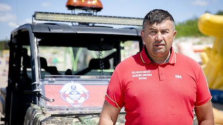 Palangos gelbėtojų vadas J.Pirožnikas apie nepamirštamą skendusio berniuko istoriją ir čeburekus iš šiukšliadėžės