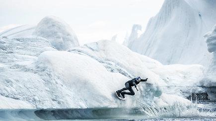 Čiuoždamas ledynais atskleidė pasakišką Grenlandijos grožį