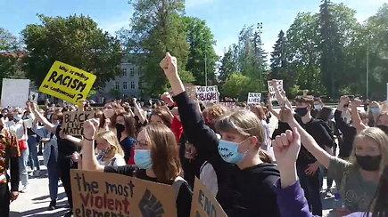 Vilniuje – JAV protestų įkvėpta eisena prieš rasizmą