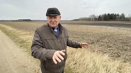 Ūkininkas J.Juodis komentuoja planus jo žemėje statyti naują oro uostą