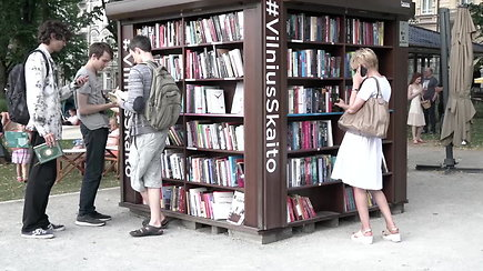 """""""Vilnius skaito"""": skaitykla, kviečianti knygomis mėgautis po atviru dangumi"""