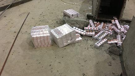 Muitininkai vargo, kol atrado gudriai paslėptą kontrabandą