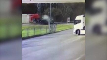 Užfiksuota vilkiko ir lengvojo automobilio avarija Kauno rajone