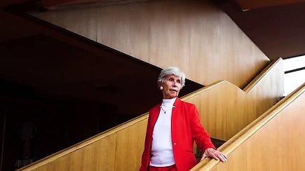 87-erių buvusiai balerinai pasenti neleidžia aktyvus gyvenimo būdas ir mokiniai