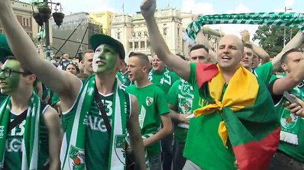 Žaliai balta sirgalių banga užtvindė Belgrado gatves: aidi skanduotės ir liejasi geros emocijos