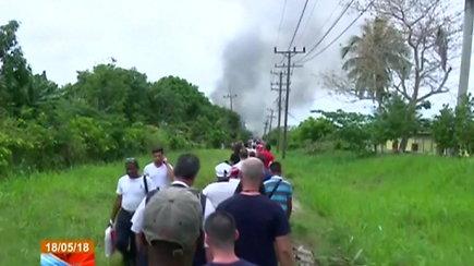 """Kuboje kildamas sudužo keleivinis lėktuvas """"Boeing 737"""""""