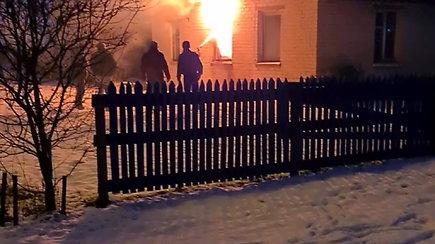 Mikoliškyje sudegė namas