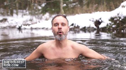 Karolio Mieliausko grūdinimasis lediniame vandenyje