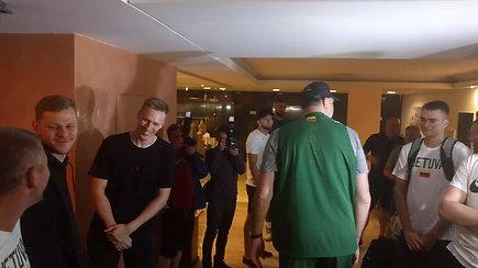 Arvydas Sabonis pasirodė rinktinės stovykloje su krepšininko apranga
