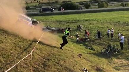 Gedimino Ivanausko avarija Palangos lenktynėse: apsauginį išgelbėjo puiki reakcija