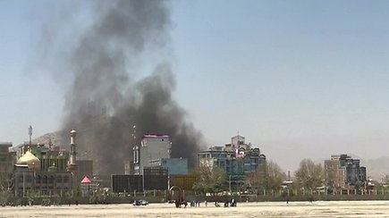 Šalia Afganistano sostinės nukrito mažiausiai devynios raketos, vyksta susirėmimai