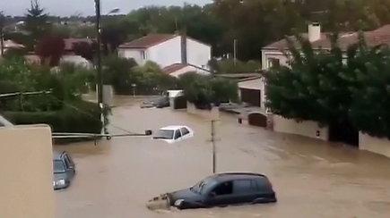 Staigūs potvyniai Prancūzijos pietuose pasiglemžė 13 gyvybių