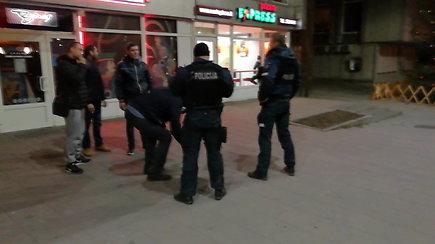 Vilniaus policija ieško peiliu į sėdmenis nepilnamečiui dūrusio nusikaltėlio